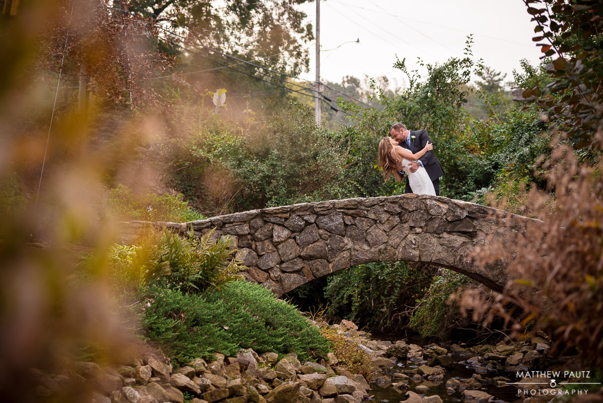 Wedding photos at The Rock Quarry Garden | Larkin\'s Cabaret Room